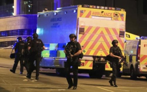 아리아나그란데 콘서트 영국 맨체스터경기장에서 폭발사고, 다수의 사망자 발생