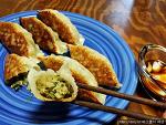 냉동만두로 집에서 일본식 교자 만들기