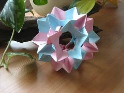 일렉트라 유니트 종이접기 동영상입니다. 사용된 종이사이즈는 6 x 6 cm 30개