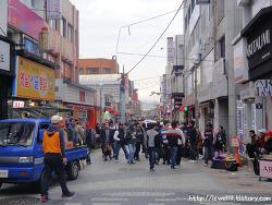 김해전통시장, 한국인은 이방인이 되어버리는 곳