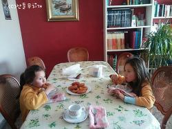 스페인 시어머니가 아이들에게 준 아침 식사