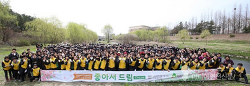 신천지자원봉사단인천연수지부 '승기천 일대에서 환경봉사활동'