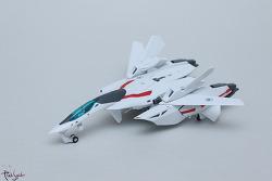 반다이 하이메탈 마크로스 VF-2SS 발키리 II