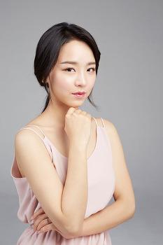 점점 이뻐지고 있는 배우 신혜선