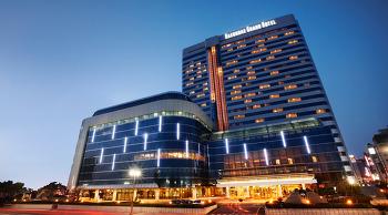 해운대 그랜드호텔 + 뷔페 레스토랑 그랜드테이블/Haeundae Grand Hotel