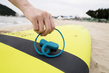 물속에서 음악 감상을? 블루투스 스포츠 워크맨 NW-WS623와 완벽한 바캉스를!