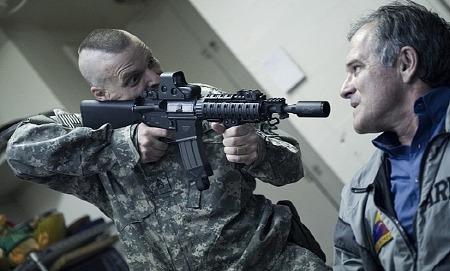 '더블유엠디: 대량살상무기 W.M.D., 2013', 대통령을 납치한 미군 병사들
