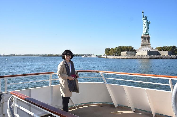 뉴욕 자유의 여신상, 맨해튼 관광 크루즈