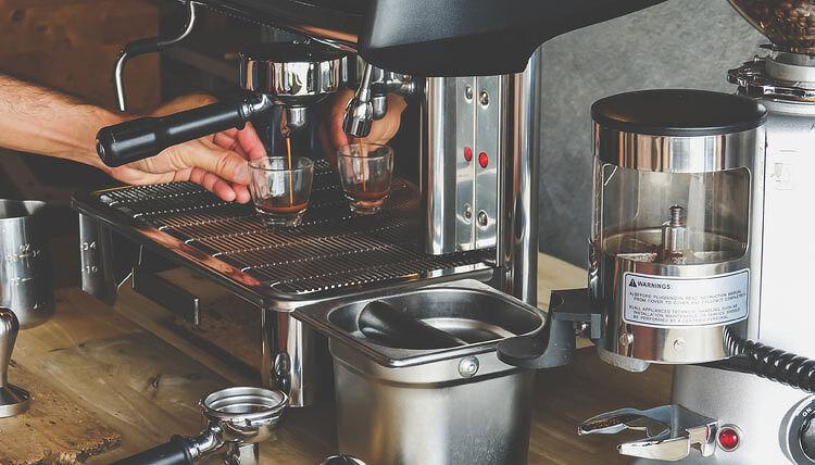 """[지름신 씻김굿] 커피머신 """"장식품이 되거나 홈카페가 되.."""