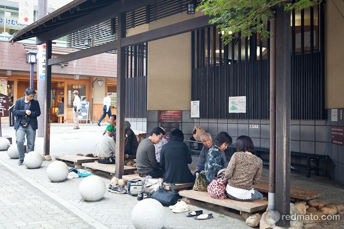 [오사카 여행] 무료 족탕과 마시는 온천수 - 아리마 온센의 착한 온천 '킨노유 온천'