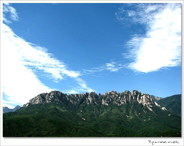 대명 설악콘도, 설악 리조트에서 바라본 울산바위 풍경 사진