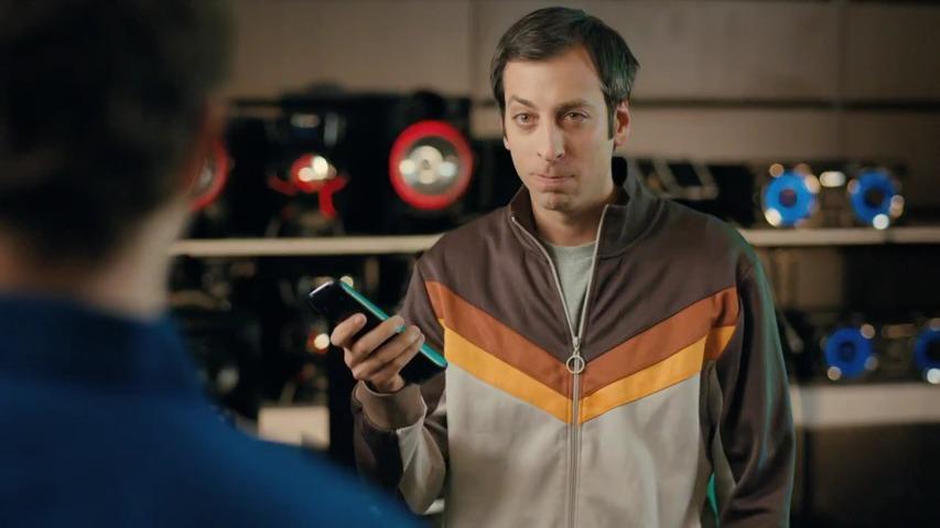 미국의 가전제품 대리점, 애론(Aaron's)의 TV광고 - 폭로, 엔터테이너(Entertainers Expose) '에밀리오 몰리노스(Emilio Molinos)'편 [한글자막]