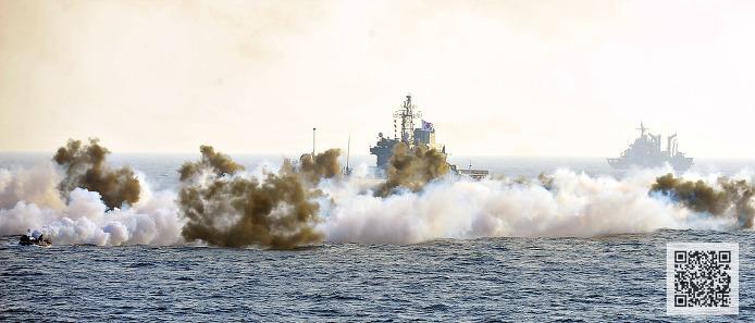 합동 상륙작전을 위해 작전중인 고준봉급 LST 상륙함 고준봉함  ⓒMediaPaPaer.KR 오세진 사진기자