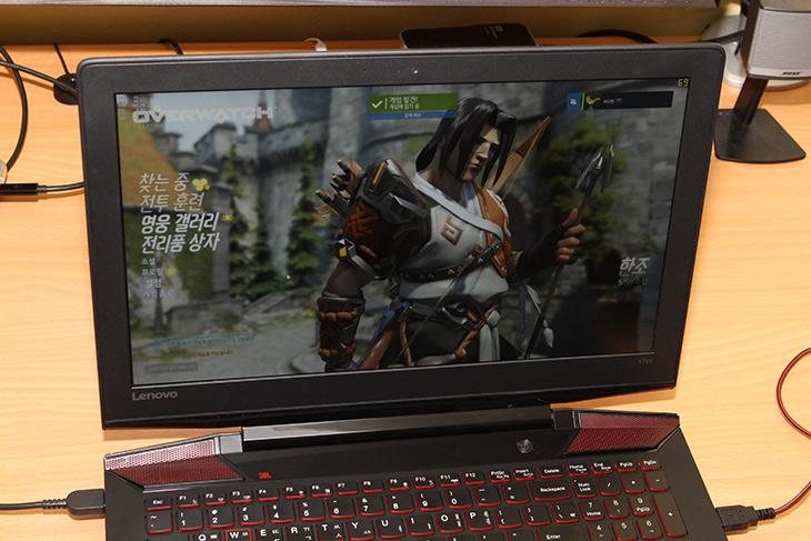 레노버 ,Y700 ,게이밍노트북, 배틀필드4, 오버워치, 게임, 성능,IT,IT 제품리뷰,노트북으로 게임 즐기는 것은 어렵지 않습니다. 게임에 특화된 사양이 좋은 것을 쓰면 되죠. 레노버 Y700 게이밍노트북 배틀필드4 오버워치 게임 성능을 알아보려고 합니다. 전체적인 성능 향상이나 화면의 느낌 등도 알아볼 텐데요. 이전과 모양이 비슷하지만 내부적으로는 좀 바뀌었습니다. 레노버 Y700 게이밍노트북 SSD와 DDR4가 장착된 제품을 써 봤는데요. 960m을 넣었지만 FHD해상도로 게임할 때 안정성은 괜찮더군요.