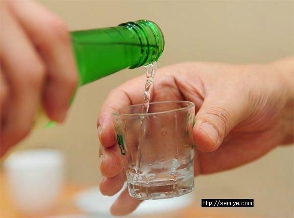 식도암-위암-건강-재떨이-술-술자리-회식-담배-알코올-건강-식도암-금연-흡연-술자리-회식-음주-소주-맥주-양주-폭탄주