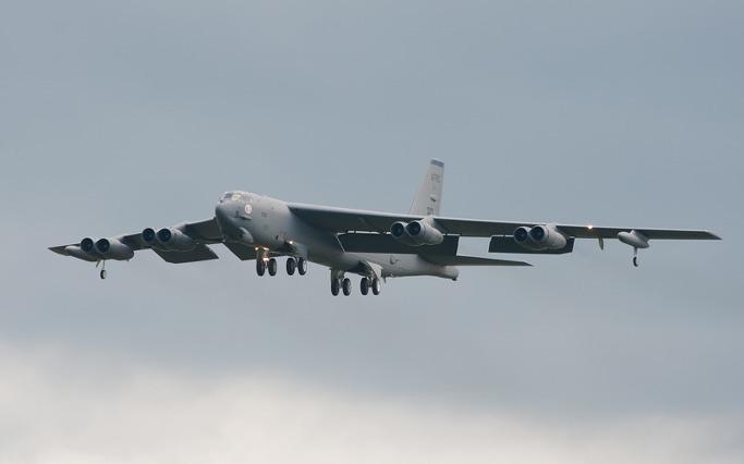 B52 전략폭격기 동영상입니다