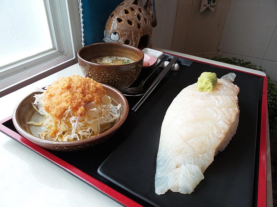 셀프로 만들어 먹는 용초밥을 아시나요? - 제주도 초밥군커피씨