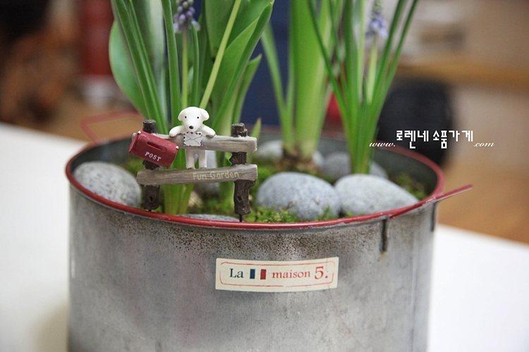 화분에 꽂는 쁘띠 '가든픽' 귀여운 인테리어 소품10