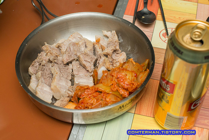 캠핑요리 돼지고기 수육