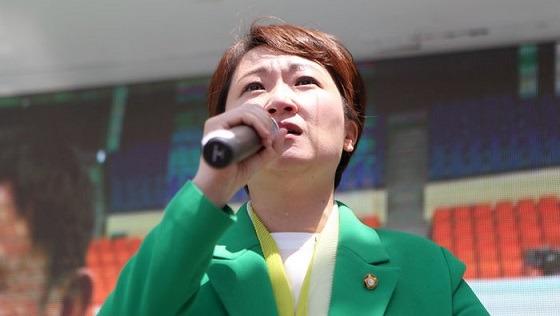 이언주 의원, 남자 보좌관 불륜 소문…보좌관 사망