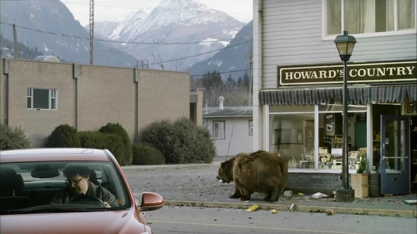 곰이 신선한 천연음식을 찾아 슈퍼를 약탈한다 - 쵸바니 요거트(Chobani Yogurt)의 슈퍼볼 광고 [한글자막]