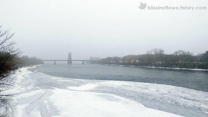 세인트 로렌스 강 입니다