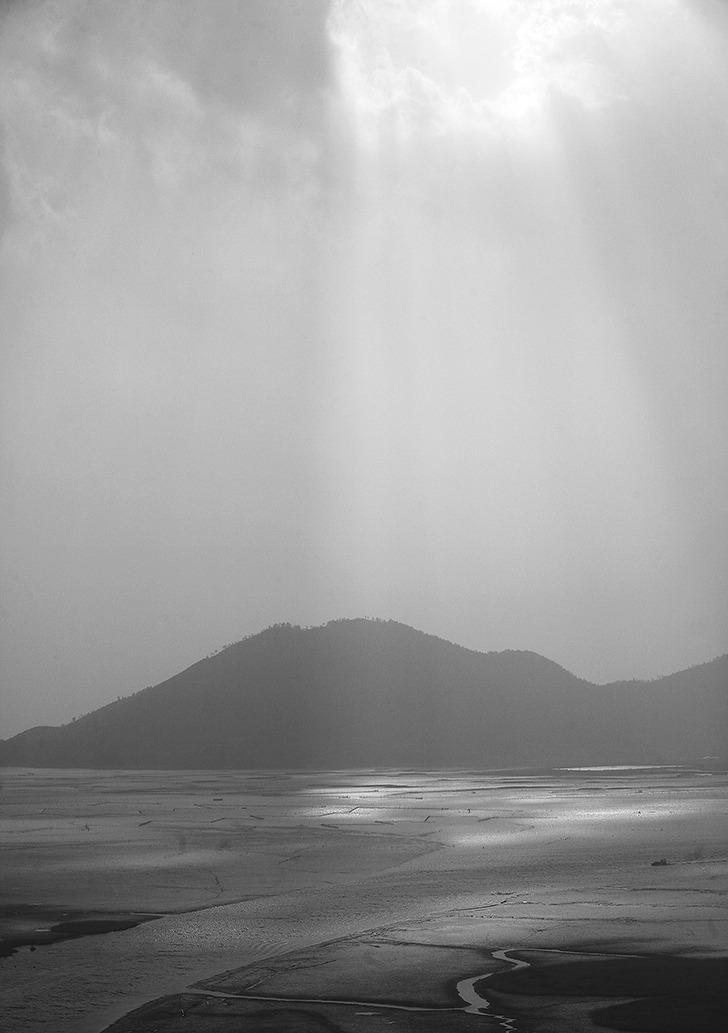 순천만에서 촬영한 빛내림 사진