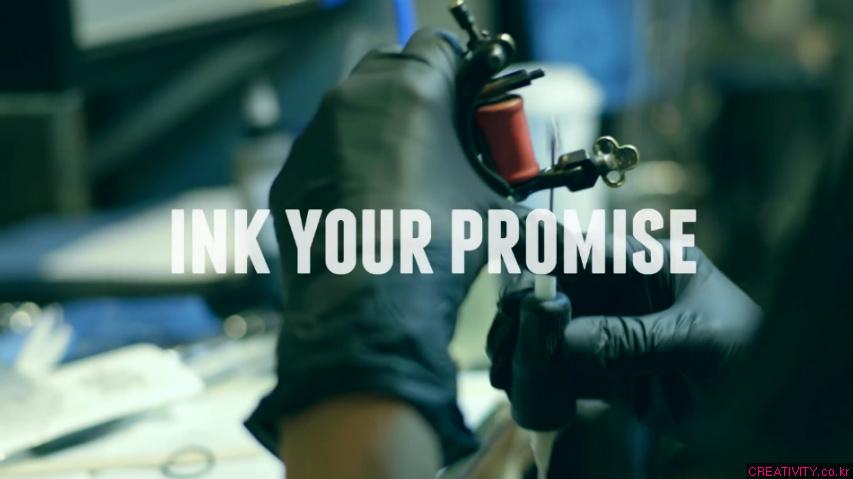 캐나다 총리선거 후보들에게 던지는 도전장 - MTL 타투샵/문신샵 바이럴 광고. '당신의 공약을 잉크로 새기세요(#Ink Your Promise)'편 [한글자막]