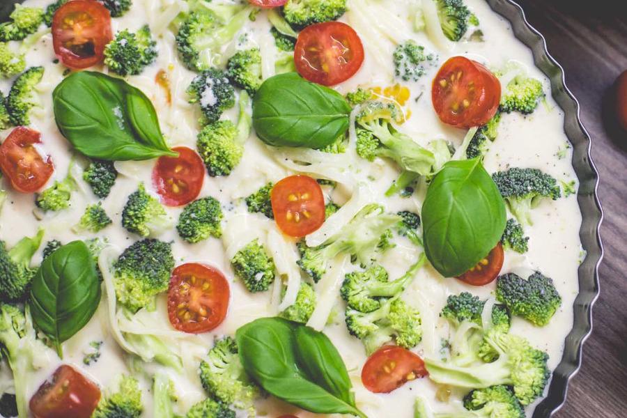 브로콜리 피자에 요리 모습