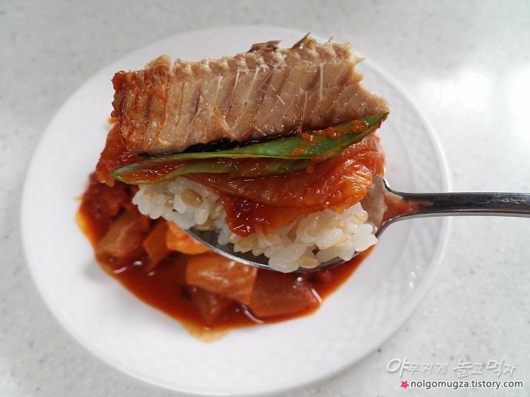 통조림 꽁치 김치찌개 4