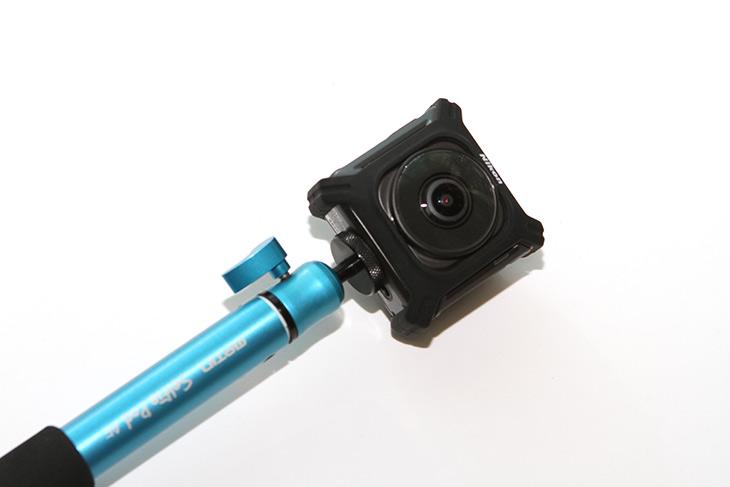 니콘 키미션 360 ,개봉기, 구성품, 외형, 살펴보기,IT,IT 제품리뷰,꼭 써보고 싶었던 제품인데요. 360도 모든 방향을 다 찍을 수 있는 카메라 입니다.. 니콘 키미션 360 개봉기 구성품 및 외형 살펴보기를 해볼텐데요. 앞으로 이 제품으로 여러곳을 촬영하고 영상이나 사진도 만들어보려고 합니다. 360 카메라가 이것이 처음은 아니여서 기대 되는데요. 니콘 키미션 360 개봉기에서는 구성품과 외형 버튼과 디자인을 살펴볼겁니다. 물론 사용은 해 봤는데요. 이것으로 찍으면 어떻게 나오는지도 보도록 하죠.