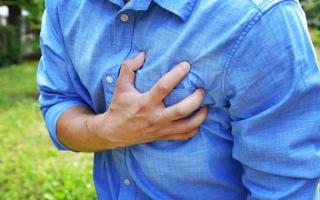 가슴통증원인 심장마비전조증상