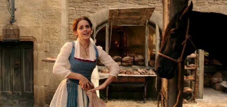 미녀와 야수 주인공 Emma Watson입니다