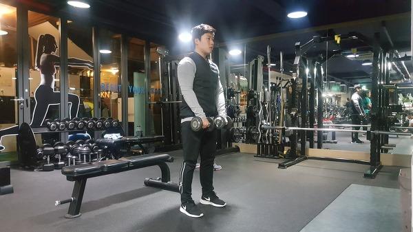 균형잡힌 섹시한 어깨라인 만들기 운동[어깨 전면부 운동]