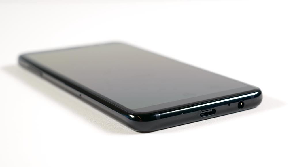 갤럭시 A8 2018 USB-C